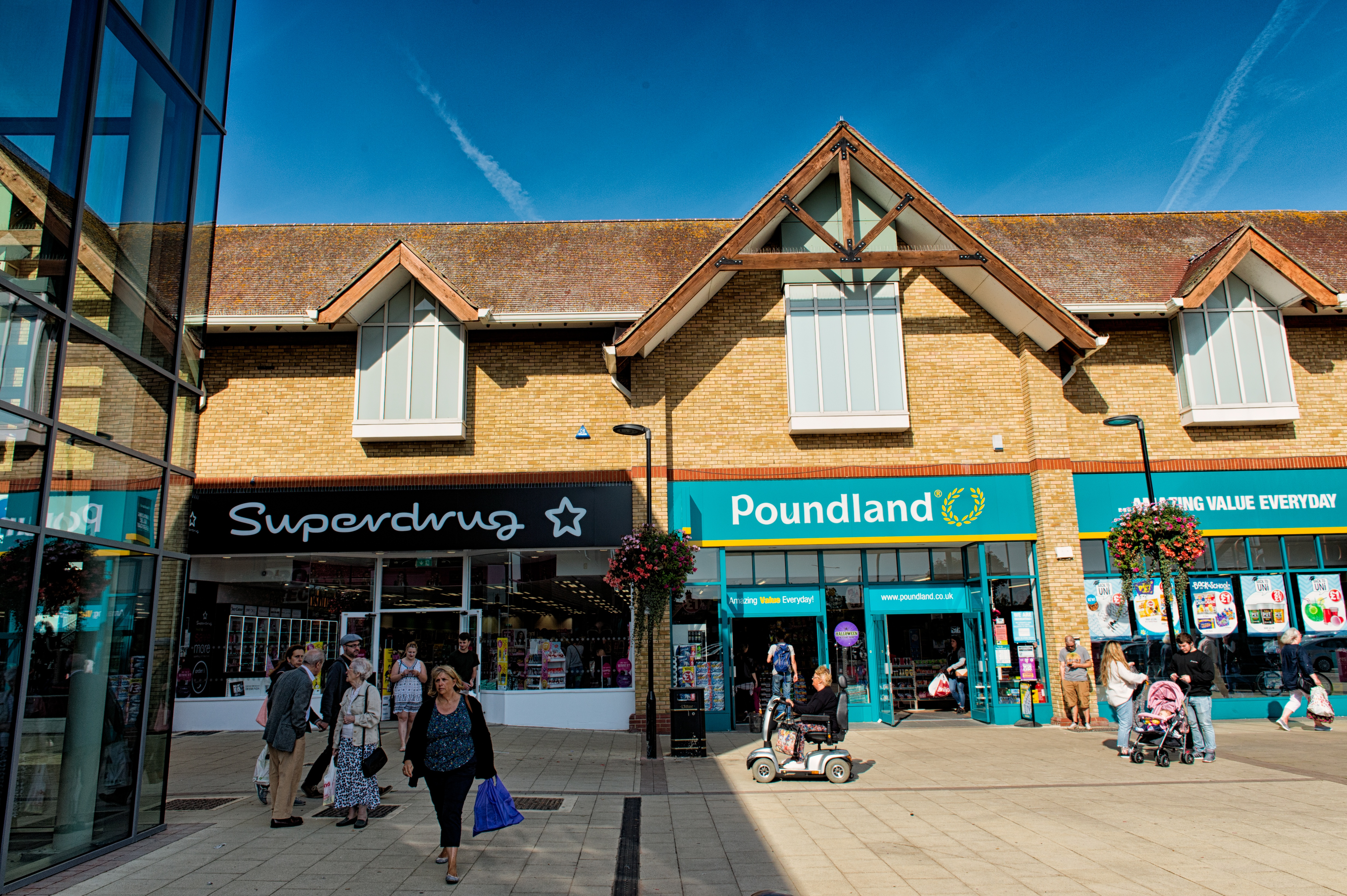 https://0201.nccdn.net/1_2/000/000/12d/5a3/Huntingdon-Shopping-Centre-55-4928x3280.jpg