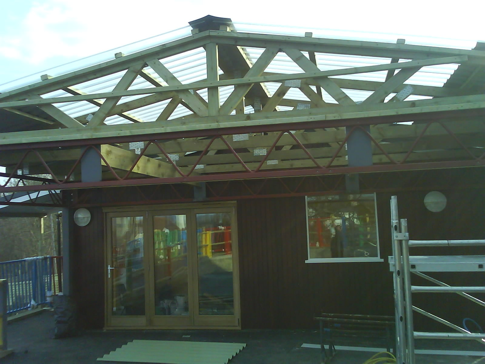 Roof canopy to mobile classroom
