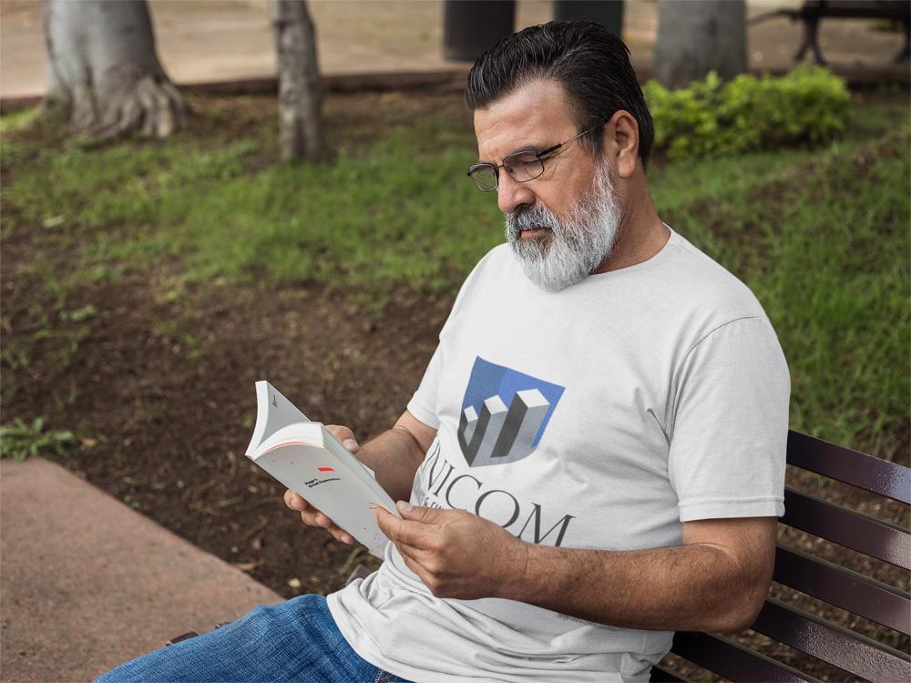 https://0201.nccdn.net/1_2/000/000/12e/489/hispanic-senior-wearing-a-t-shirt-while-reading-outdoors-mockup-a11314-1000x750.jpg
