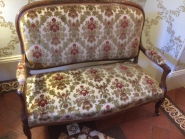 https://0201.nccdn.net/1_2/000/000/12e/695/Chair-before-Upholstery---Jaipur-640x480.jpg