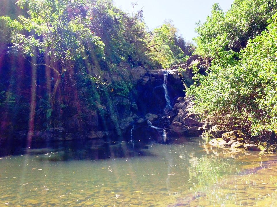 https://0201.nccdn.net/1_2/000/000/12f/2d5/Another-view-of-the-second-waterfall-on-our-Secret-Waterfalls-Hike-960x720.jpg
