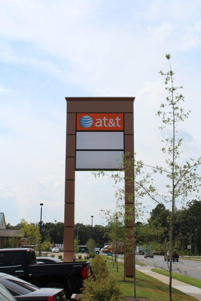 AT&T Pylon @ Gateway Town Center  Little Rock, AR