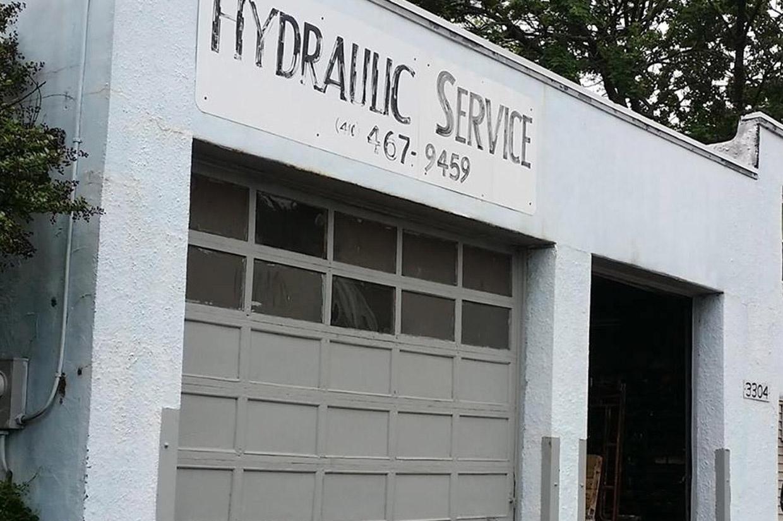 Hydraulic Service Shop