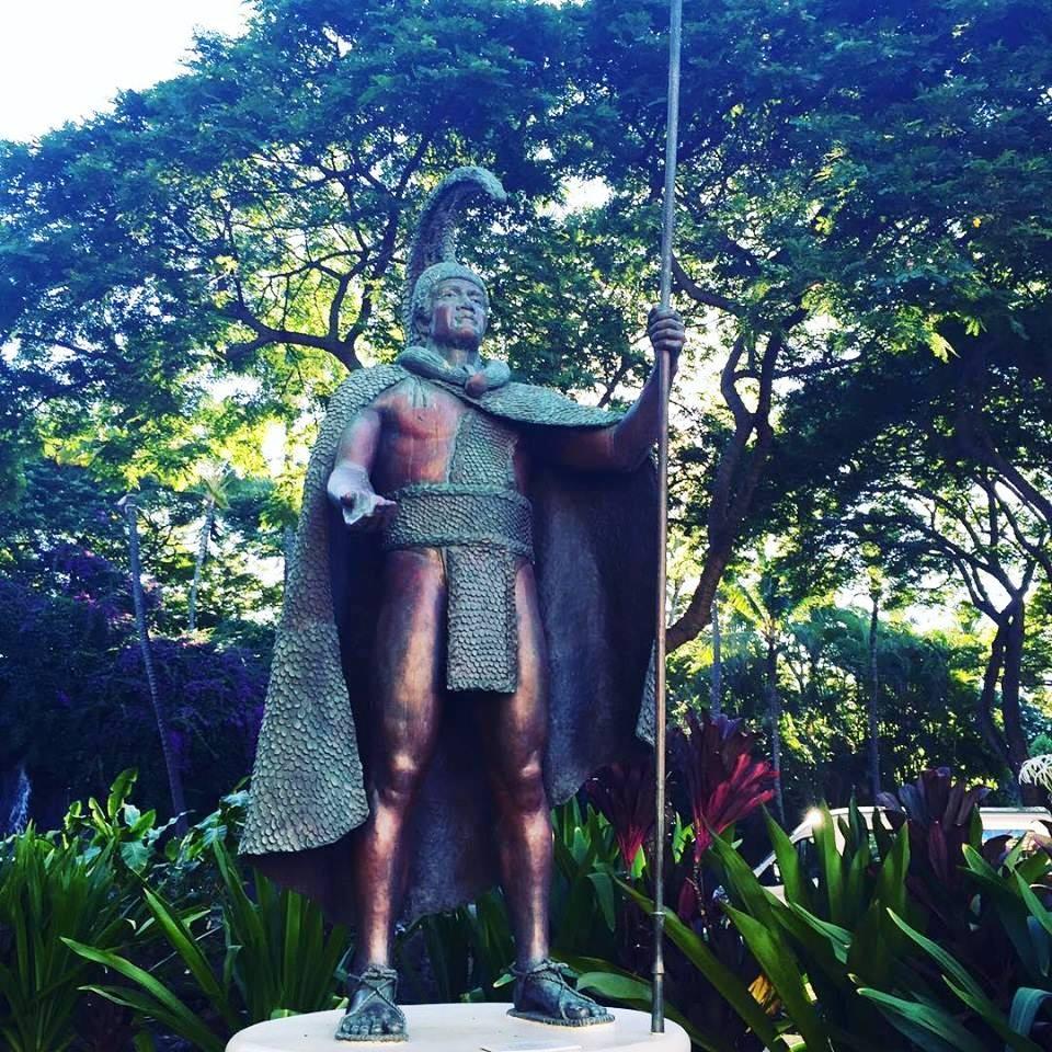 https://0201.nccdn.net/1_2/000/000/134/60a/King-Kamehameha-Statue-960x960.jpg
