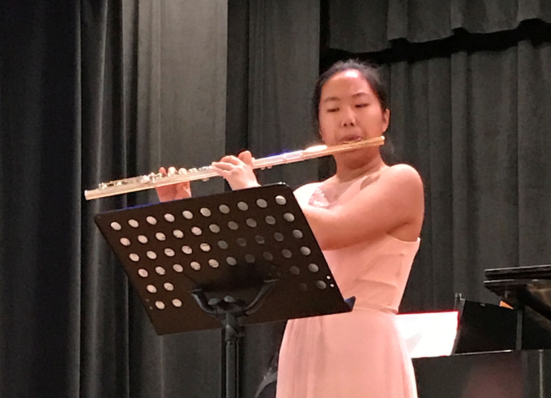 Photo of Emily Du.