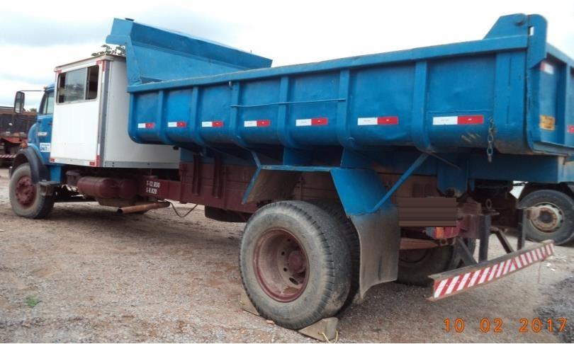 Caminhão Basculante MB