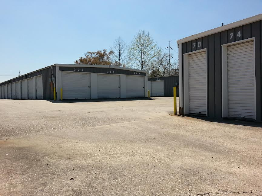 Whether it be for personal or professional use Alliance Mini Storage has a variety of storage unit sizes available to suit your needs; as well as convenient drive up access to help you save time and energy.