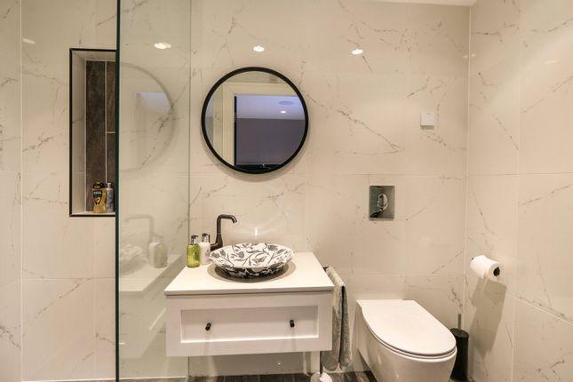 https://0201.nccdn.net/1_2/000/000/139/d98/interior-desing-domestic-en-suite.jpg