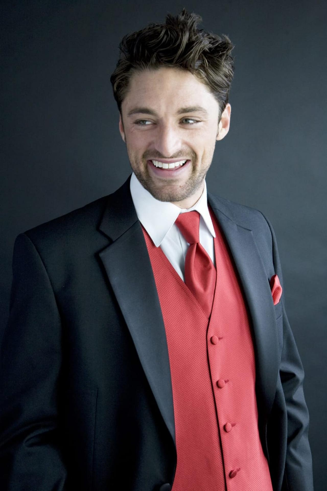 Formal Wear Evergreen Park | Designer Tuxedos | Boss Formal Wear