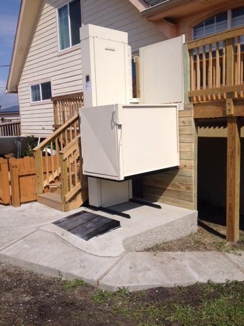 Residential Wheelchair Vertical Lifts