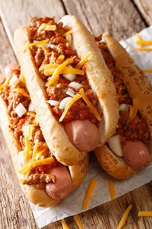 Chili Hot Dogs With Cheese