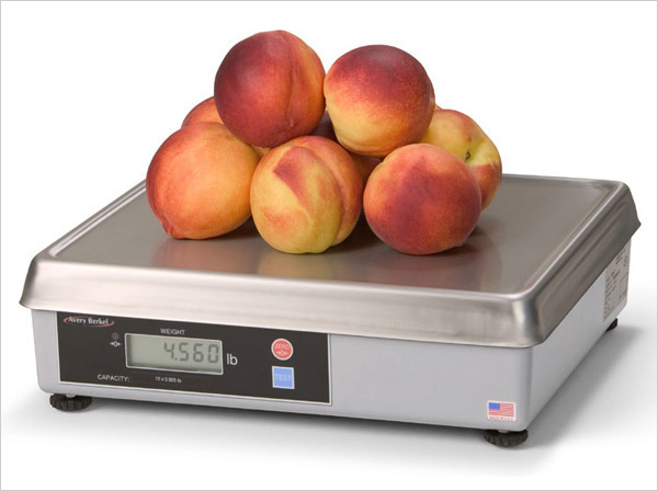 Scale weighing pears||||