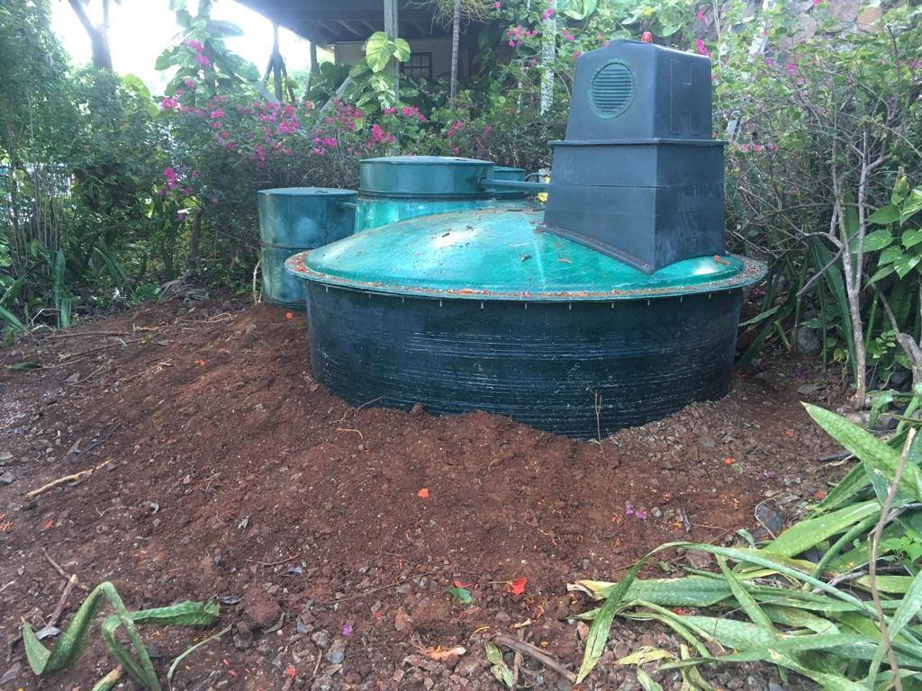 Teal Water Disposal System