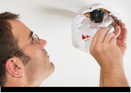 Man installation alarm system wiring||||
