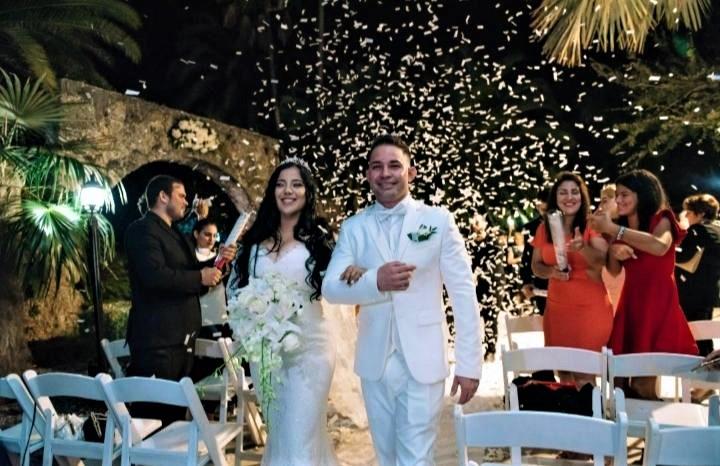 https://0201.nccdn.net/1_2/000/000/143/613/bride-and-groom-after-ceremony.jpg