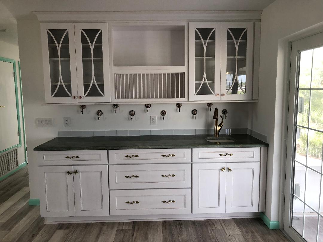 Kitchen storage with Countertop & Bar Sink