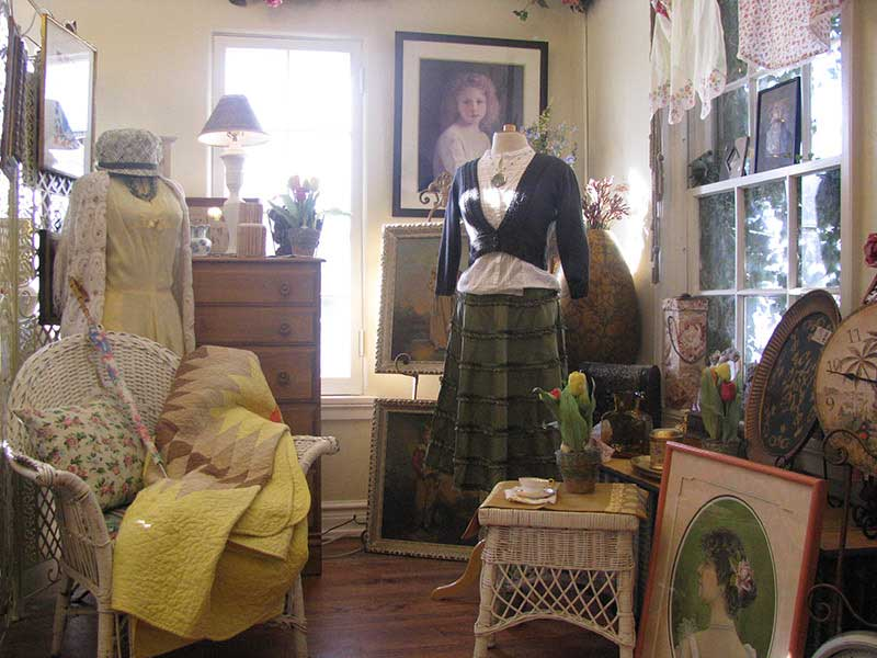 Amazing Come To Repeat Boutique In Fort Collins, CO For Good Condition Used  Furniture For Your Home, Beautiful Artwork And Various Types Of Figurines.