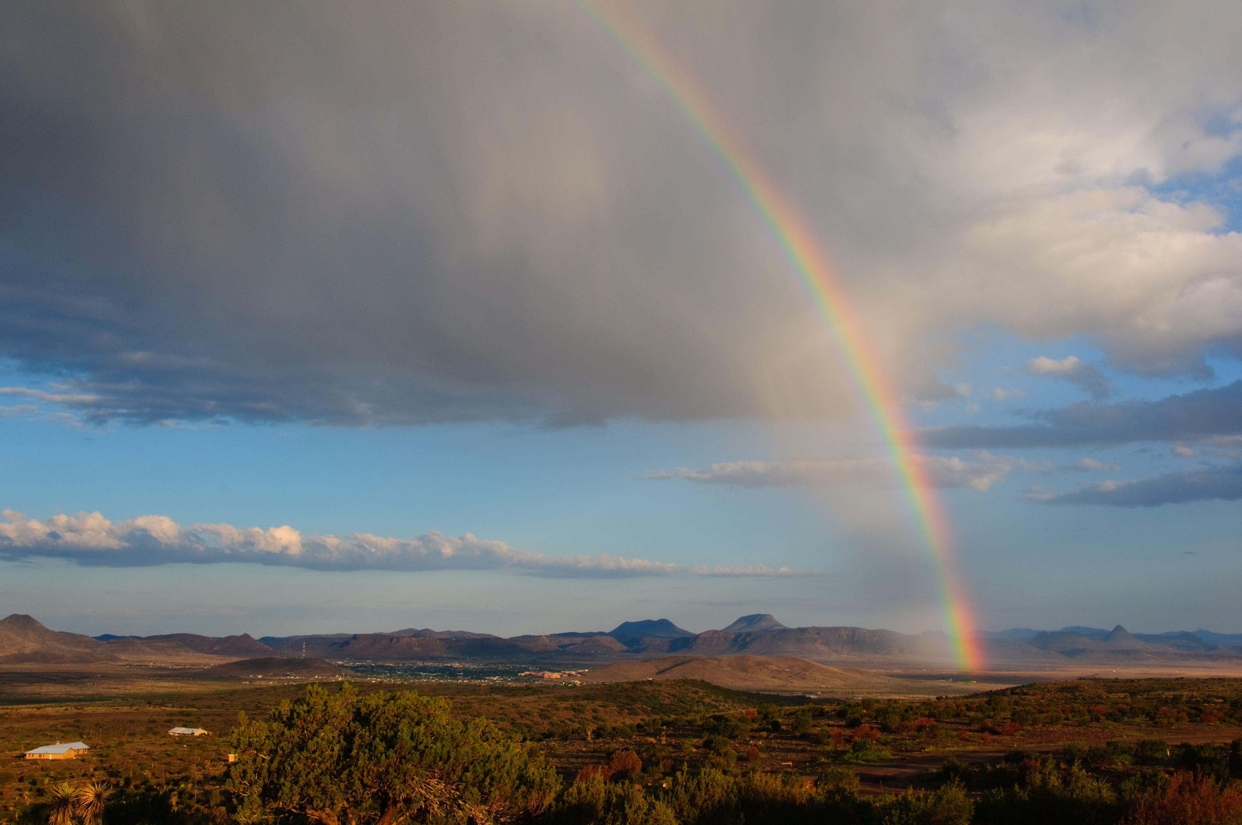 https://0201.nccdn.net/1_2/000/000/145/9a1/rainbowweb.jpg