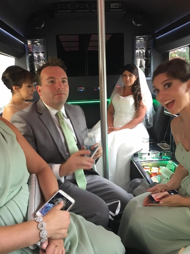 Party bus: perfect for weddings!