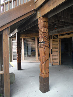 Large tikis at entrance