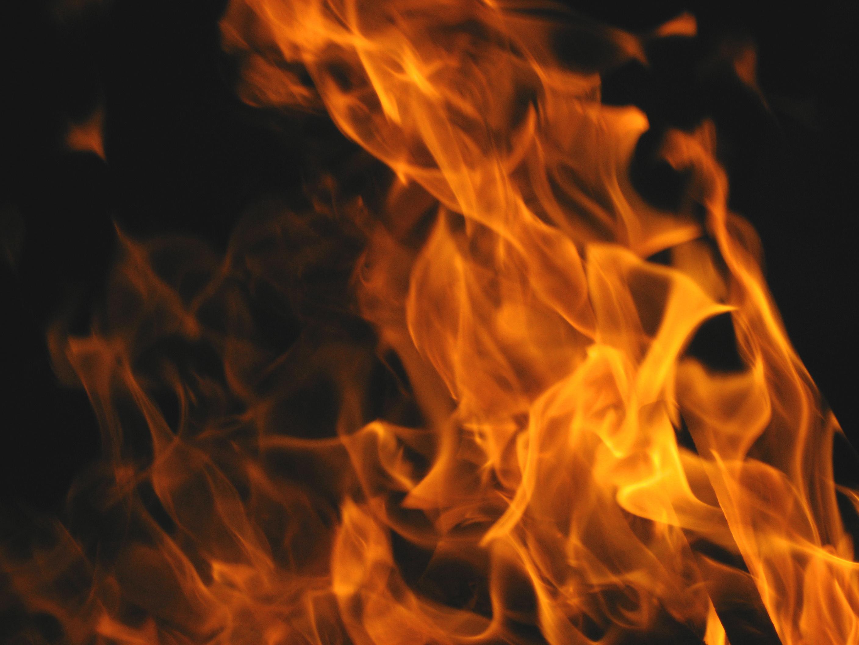https://0201.nccdn.net/1_2/000/000/147/e17/Bonfire_Flames-2816x2112.jpg