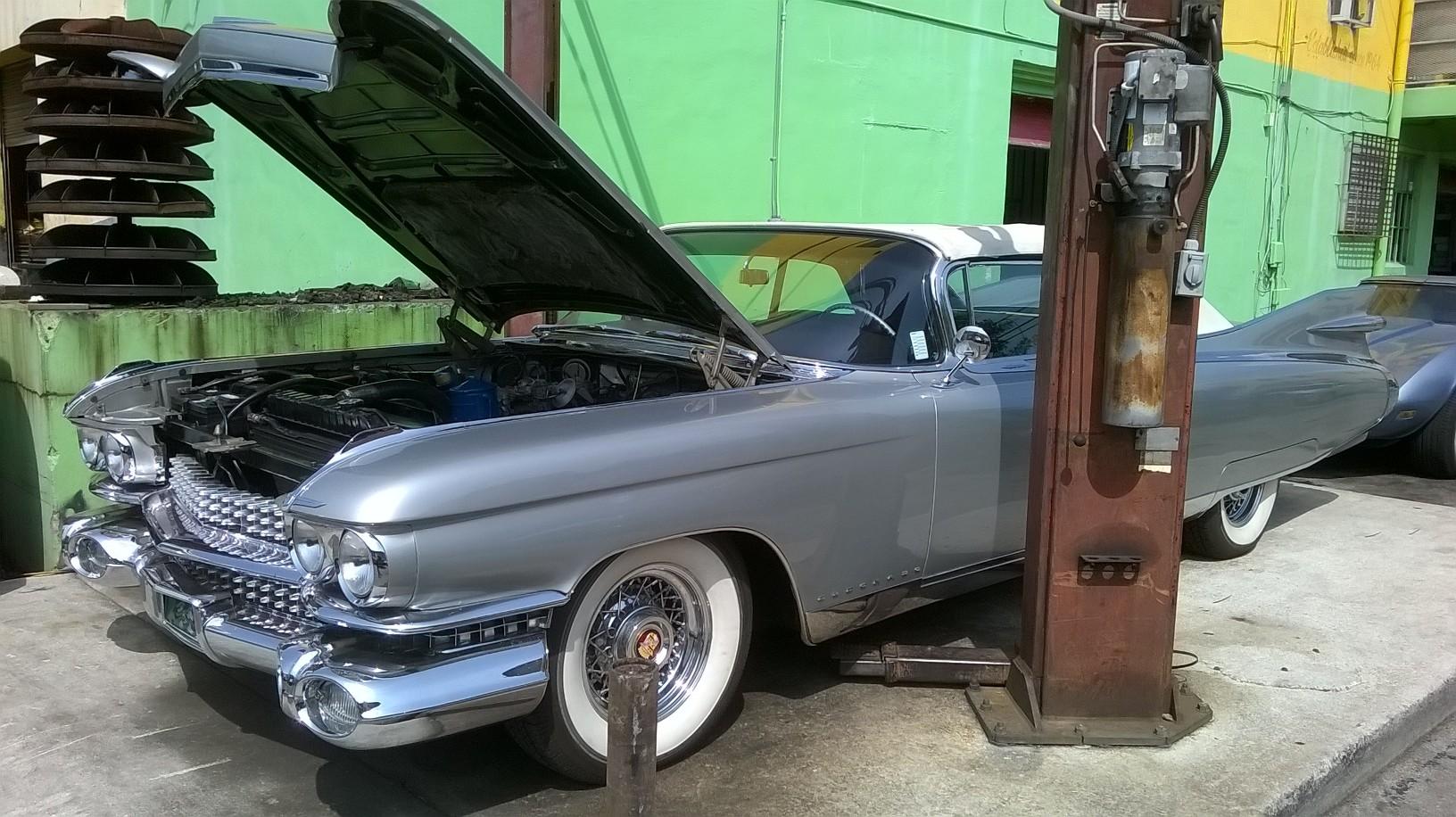 1959 El Dorado_w a Rochester tri-power