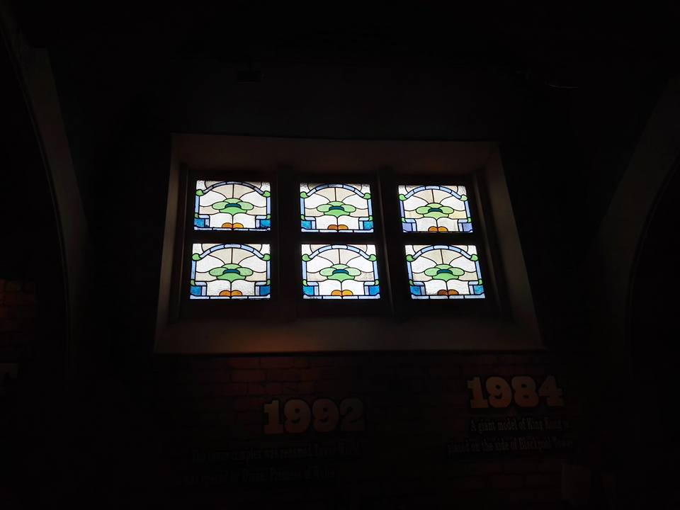 https://0201.nccdn.net/1_2/000/000/14c/1b1/old-stained-glass-Blackpool-Tower-960x720.jpg