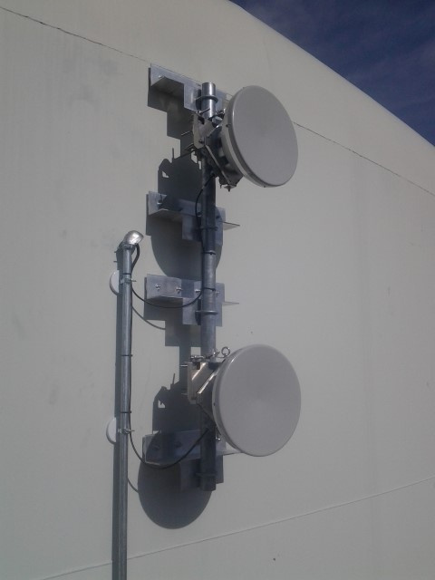Side-of-Tank Magnetic Antenna Mount