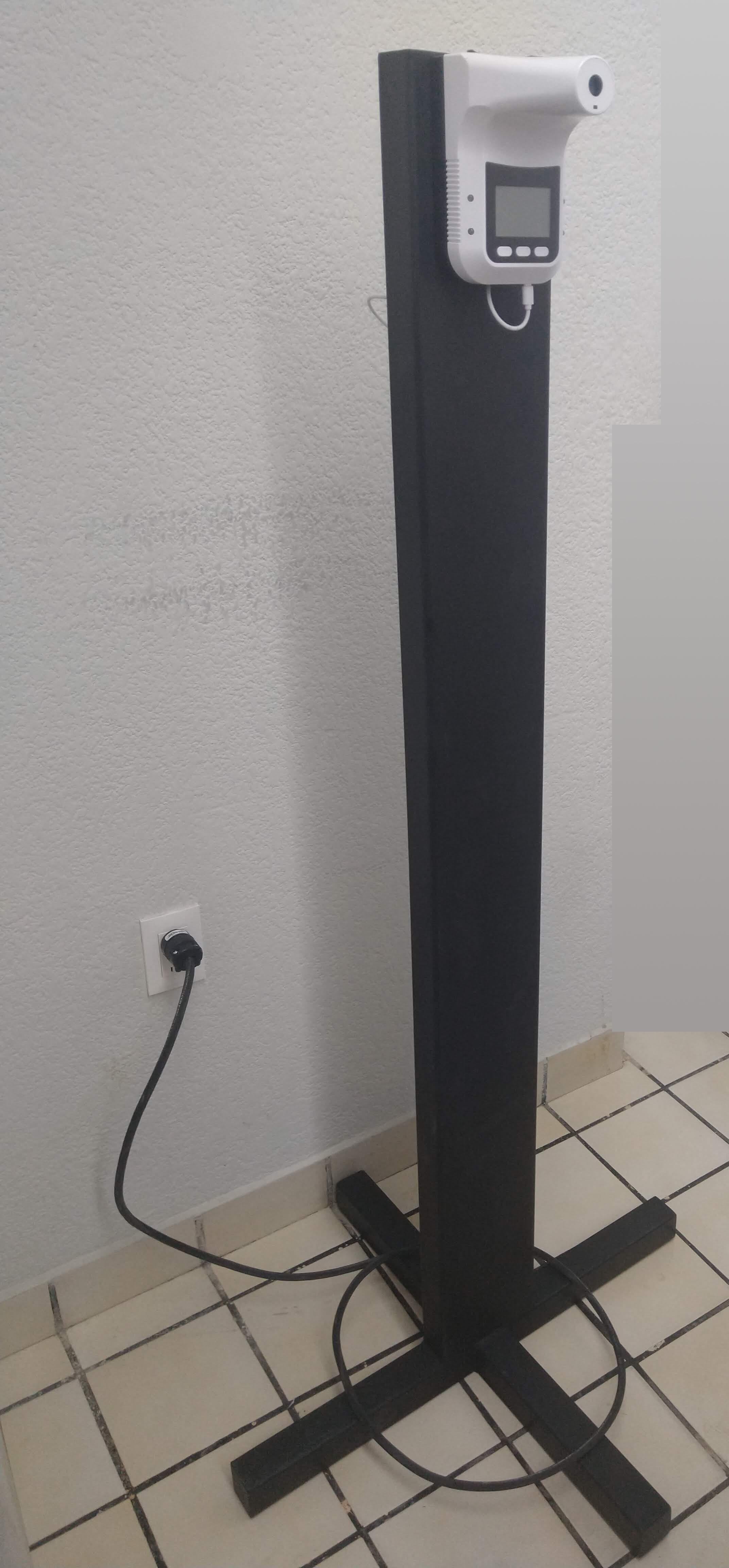 https://0201.nccdn.net/1_2/000/000/14e/4ea/pedestal.jpg