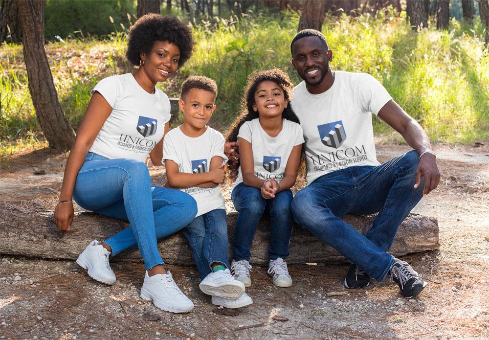 https://0201.nccdn.net/1_2/000/000/150/70d/t-shirt-mockup-featuring-a-family-in-a-nature-scenario-30604-1000x695.jpg