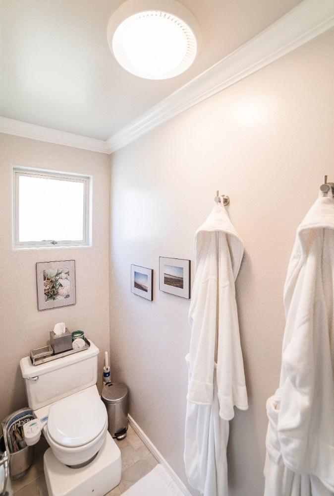 MB Escape Bathroom 4
