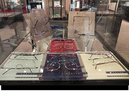 Lindberg display case||||