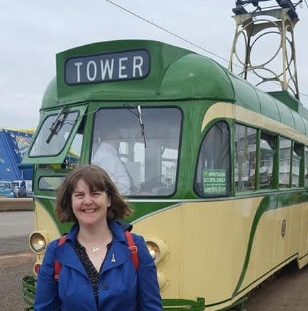 https://0201.nccdn.net/1_2/000/000/154/879/Susan-and-tram.jpg