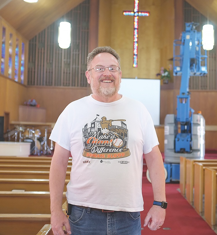 ec0d1434a5f208 San Lorenzo Pastor Says County Trying to Shut His Church Down