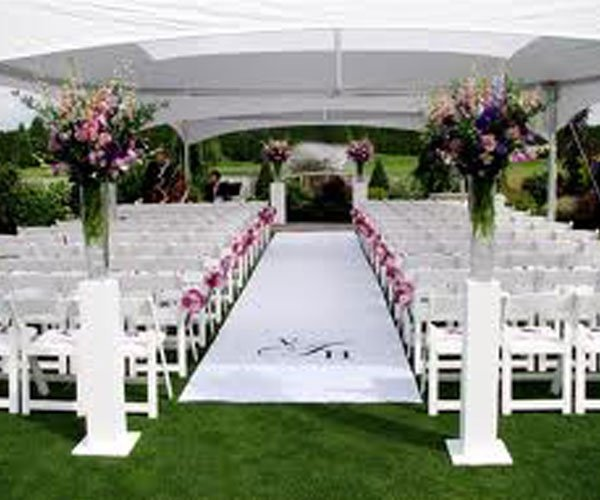 Grand Wedding Aisle