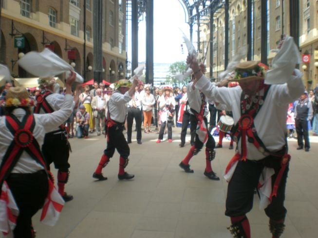 Merrydowners dancing in Hayes Galleria