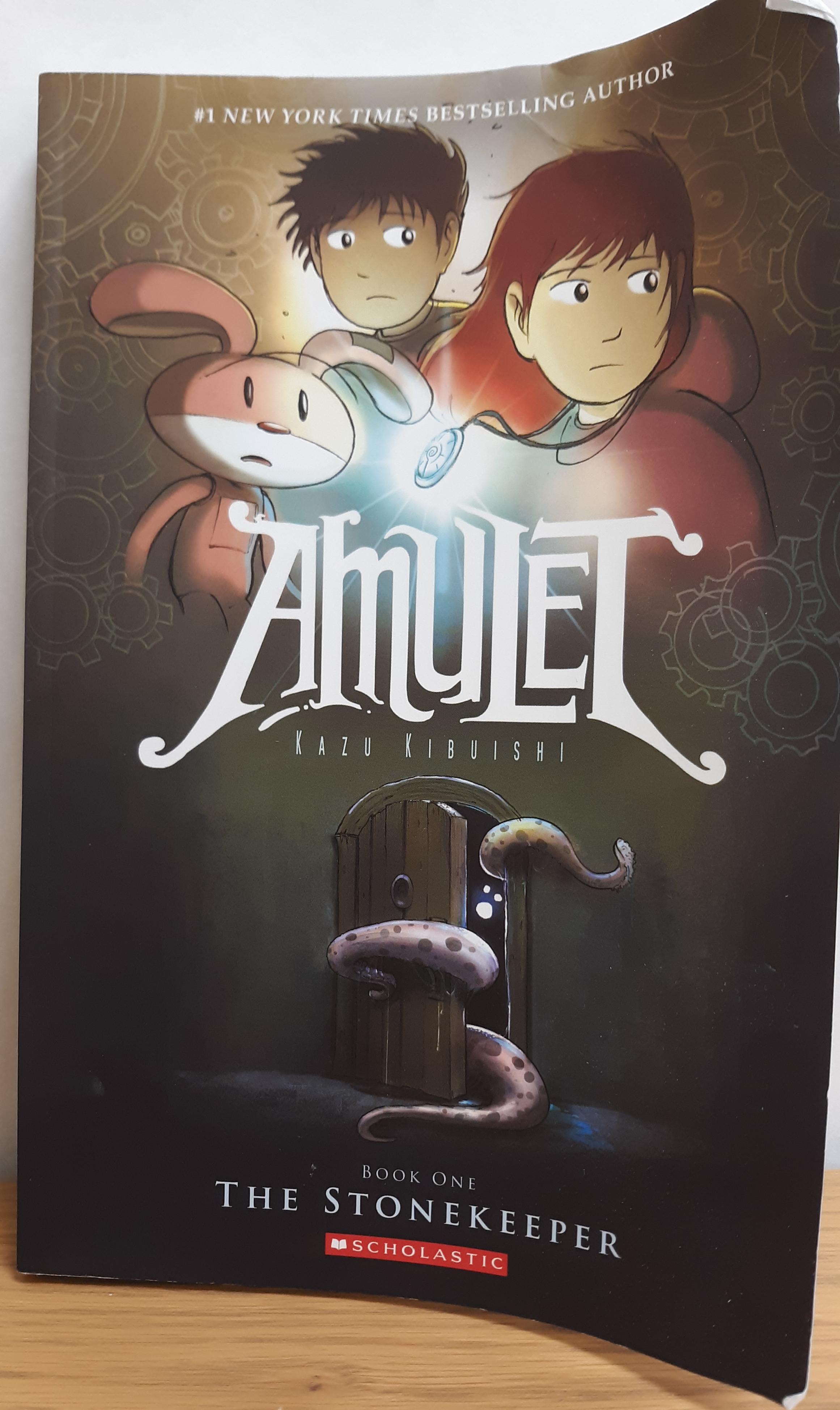 https://0201.nccdn.net/1_2/000/000/157/298/amulet.png
