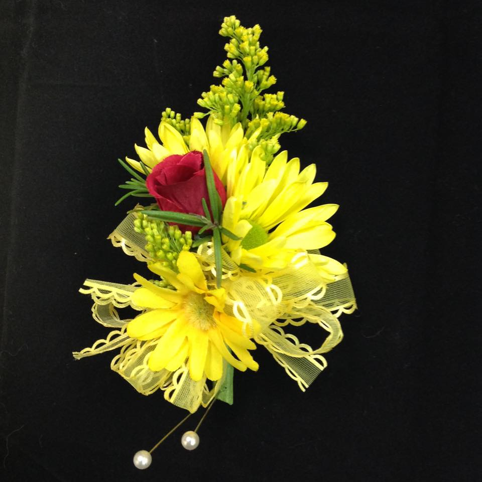 Fresh Flower Pin-on Corsage