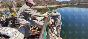 Cambio de tambos de la barcaza en san Francisco Yosocuta                            Mes: Marzo