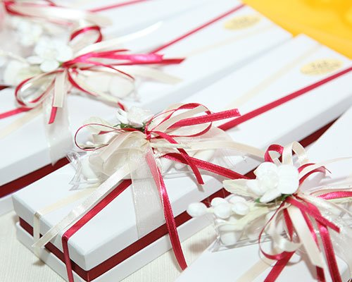 Beautiful Wedding Favors Wrapped In Cute Boxes