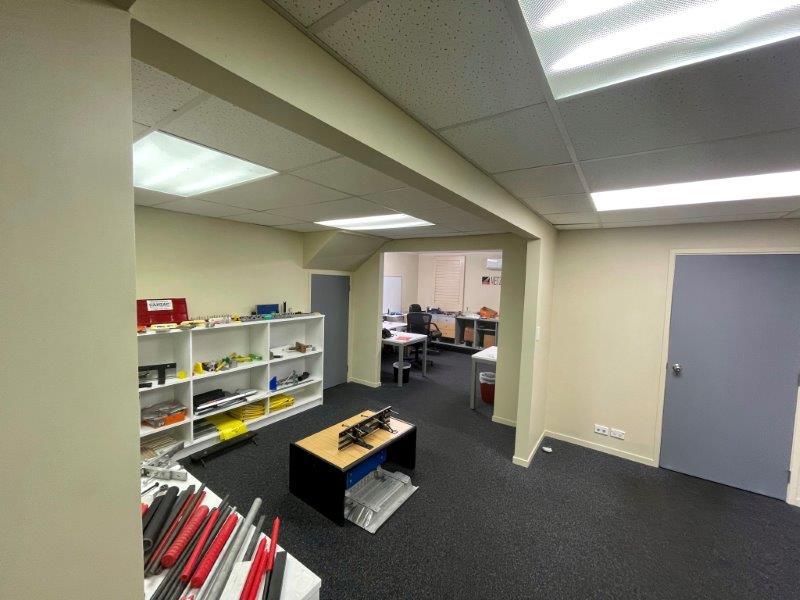 https://0201.nccdn.net/1_2/000/000/15c/485/700-great-south-road-warehouse-for-lease--6-.jpg