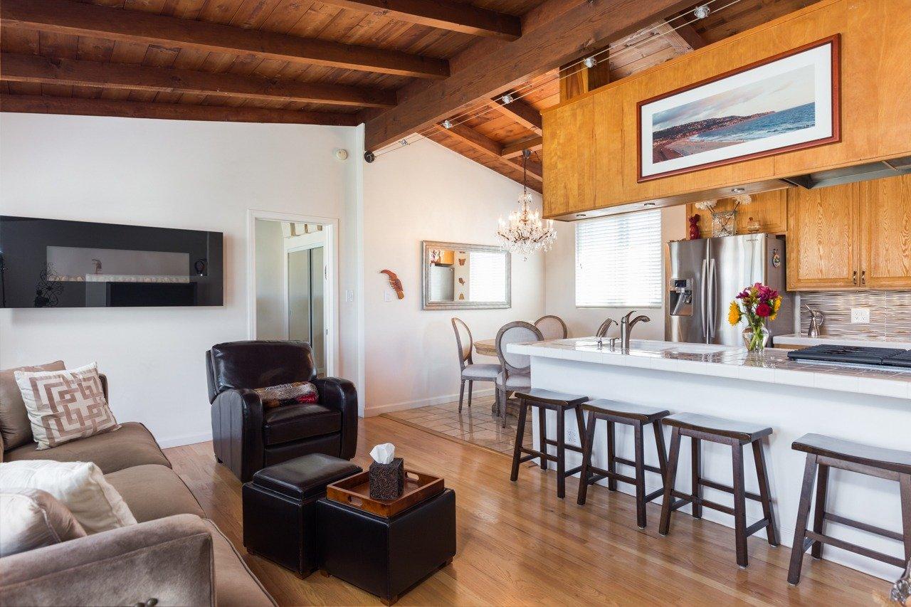 Hermosa Beach House 1 Living Room 1
