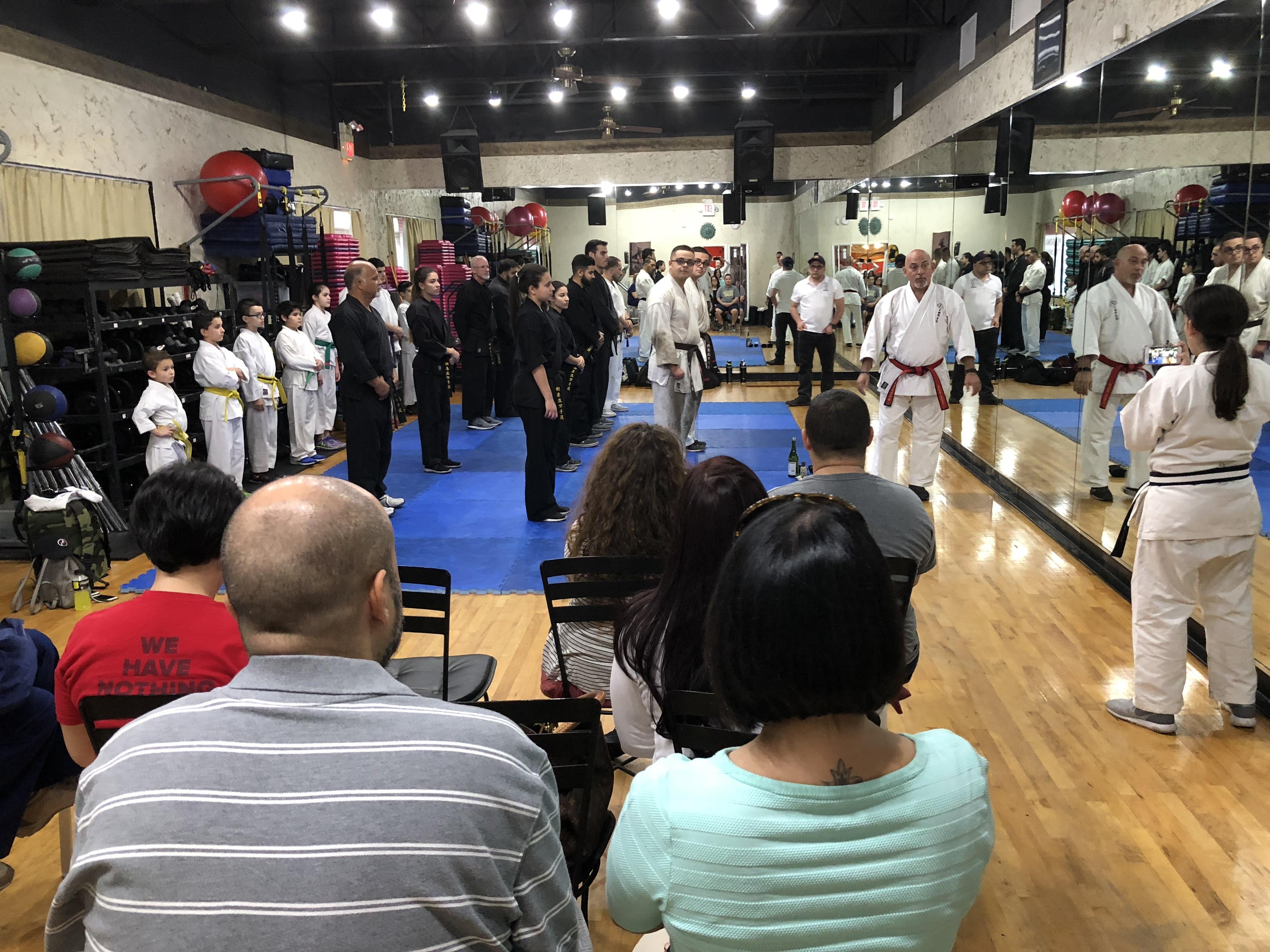 https://0201.nccdn.net/1_2/000/000/15e/452/Karate-4032x3024.jpg