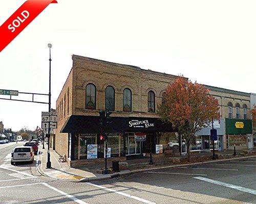 W. Walworth Street Elkhorn, Wisconsin (Restaurant Bar)