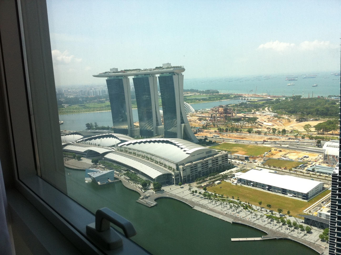 view-to-left-stack-21-at-The-Sail-at-Marina-Bay-...Marina-Bay-Sands