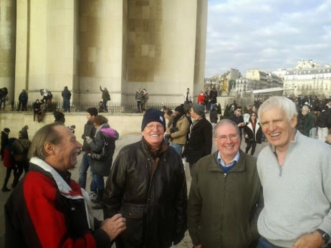 Merrydowners Touring Paris