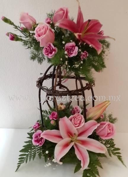 MD - 143  $760 Jaula artesanal de acapulco,clavelinas y rosas
