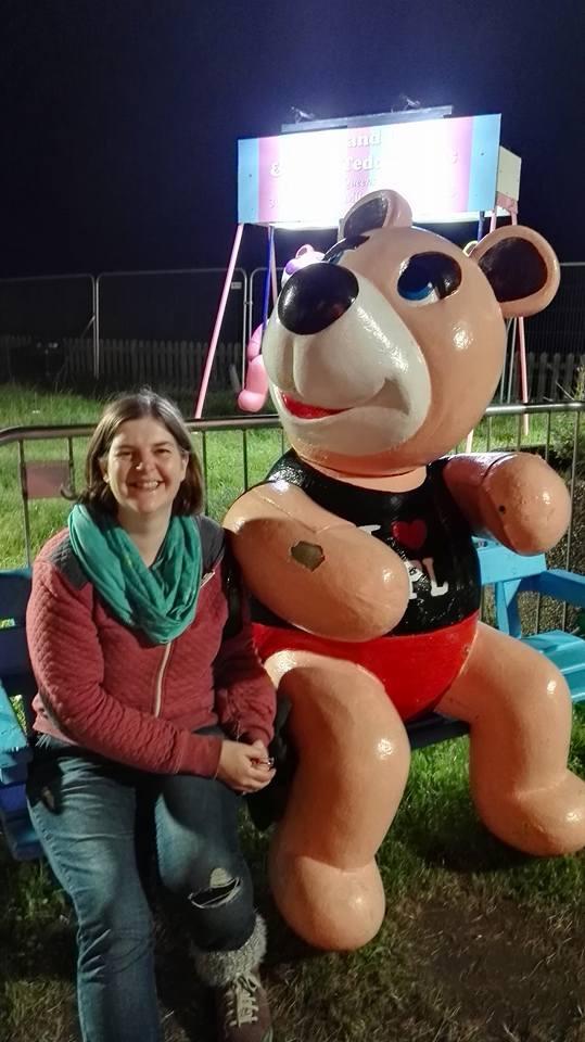 https://0201.nccdn.net/1_2/000/000/161/609/Susan-with-teddy-bear-illuminations-539x960.jpg