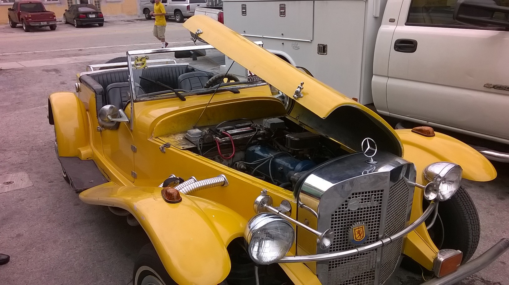 1929 Mercedes kit car with a ford engine, Holley 2 barrel carburetor