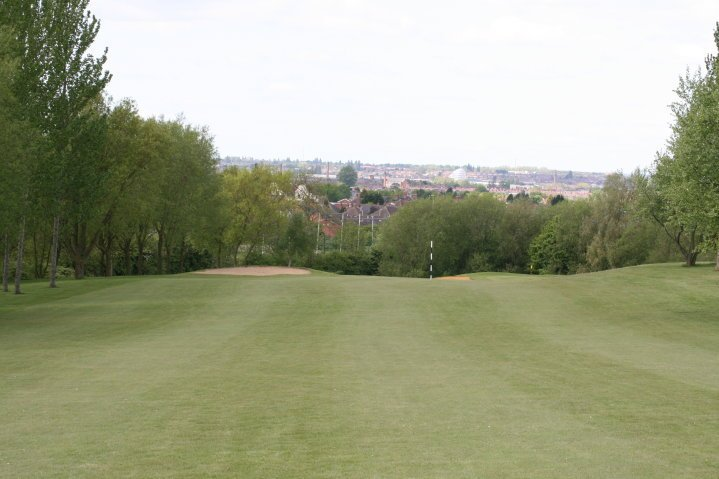 Hole 2: Devil's Dyke   The 2nd hole is the 1st of the 2 par 5's of the course. A good tee shot just towards the left edge of the bunker in the middle of the fairway should give you a straight forward second, leaving you with a shot into a green protected by bunkers, trees and thick rough.